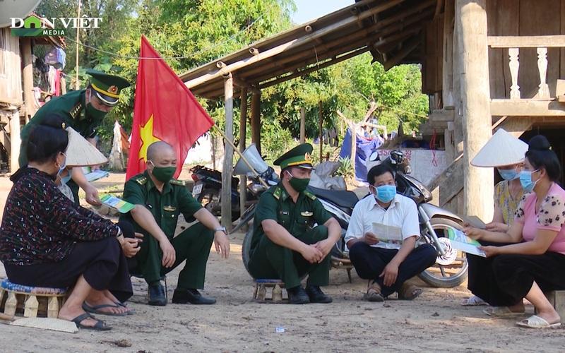 Loa phát thanh di động 3 thứ tiếng, vào bản làng, cách tuyên truyền bầu cử cực sáng tạo của Biên phòng Sơn La