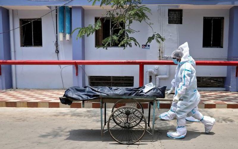 Hơn 4.000 người Ấn Độ tử vong mỗi ngày trong bối cảnh thiếu thốn vắc xin