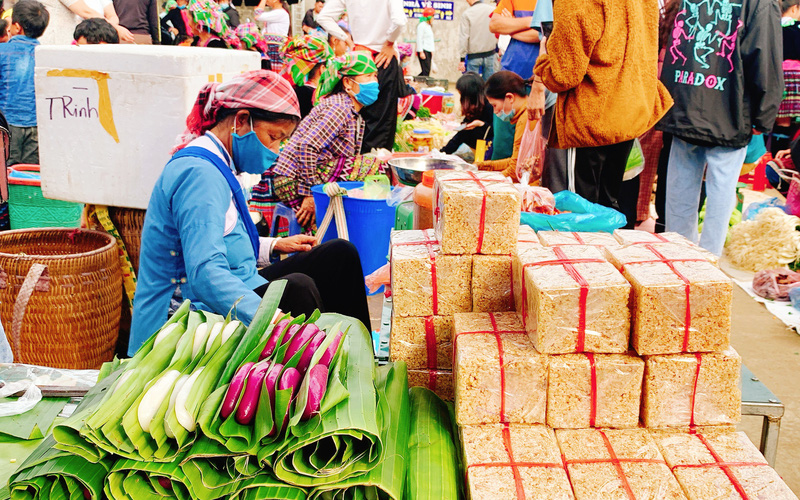 Lai Châu: Nông dân huyện Nậm Nhùn gắn sản xuất với phòng chống dịch Covid-19
