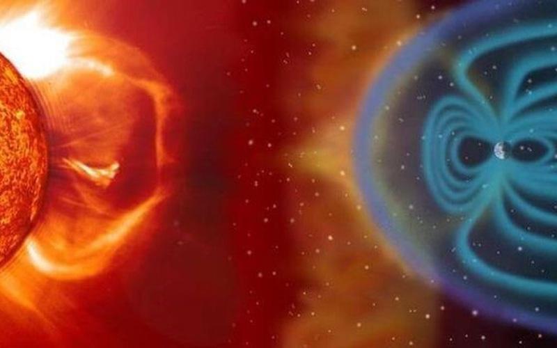 Hai vệt đen trên Mặt trời có thể tạo ra tia sáng cực mạnh ảnh hưởng tới Trái đất