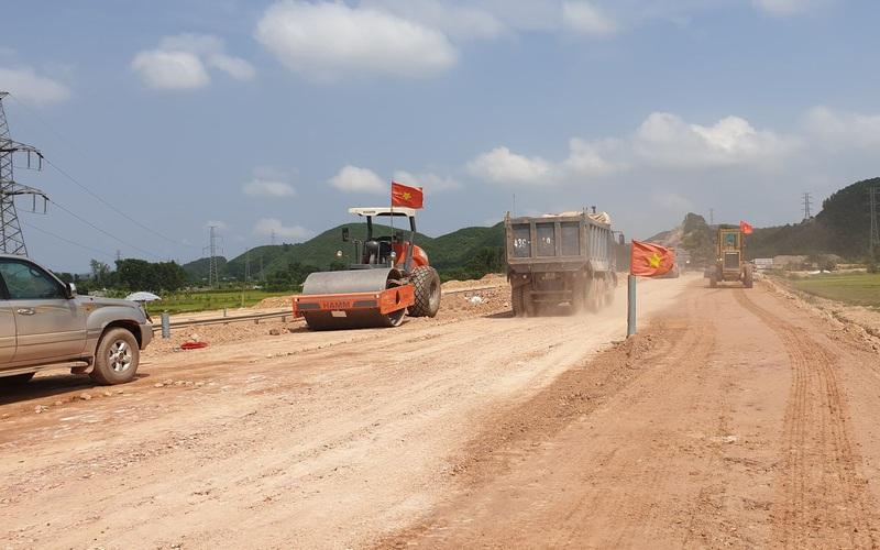 Tháng 5 giải ngân 2.898 tỷ cho các dự án giao thông