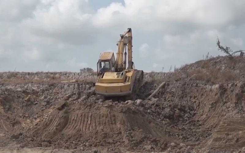 Đồng Tháp: Cảnh báo tác hại lâu dài từ việc bán đất mặt ruộng