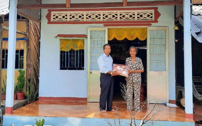 """An Giang: Đội cất nhà từ thiện """"hiếm có"""", cất tặng hơn 800 căn nhà cho người nghèo miền Tây"""