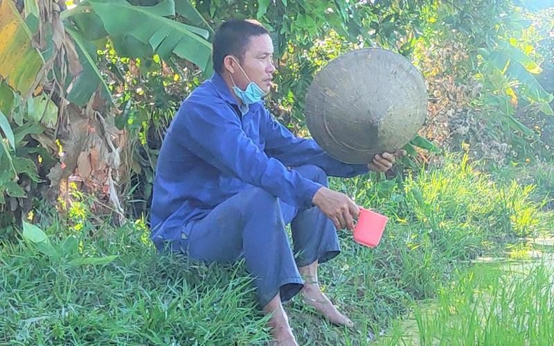 Clip - Ảnh: Nắng đỉnh điểm, nông dân Hà Tĩnh cực nhọc ra đồng làm việc
