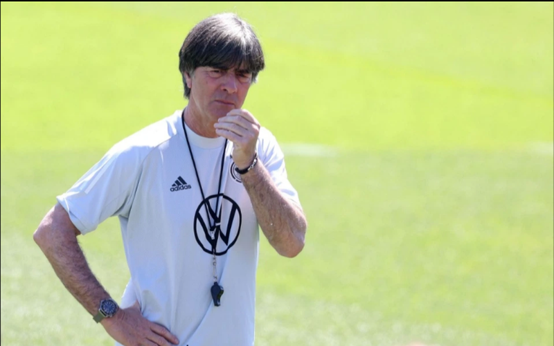 ĐT Anh gây sốc, mời HLV Joachim Low nếu... thất bại trước Đức