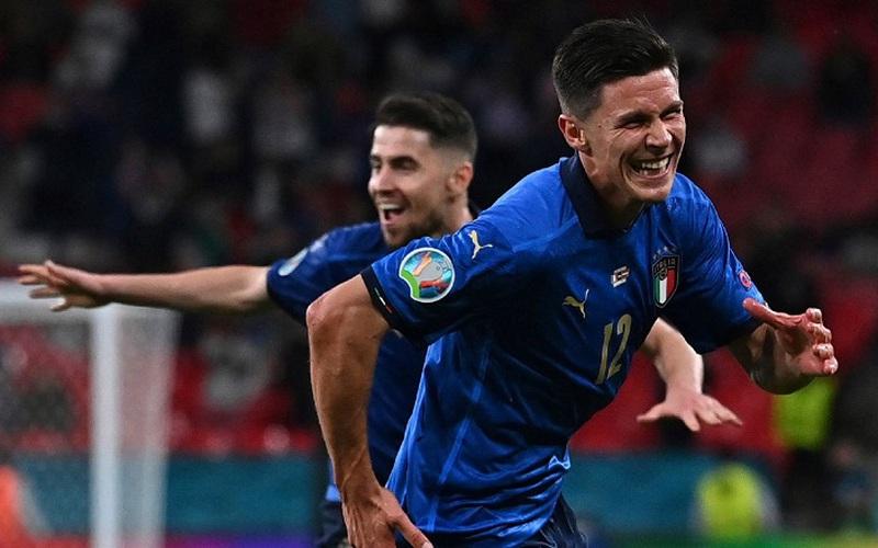 Cứu tinh của Italia đáng lẽ đã… ngồi nhà EURO 2020