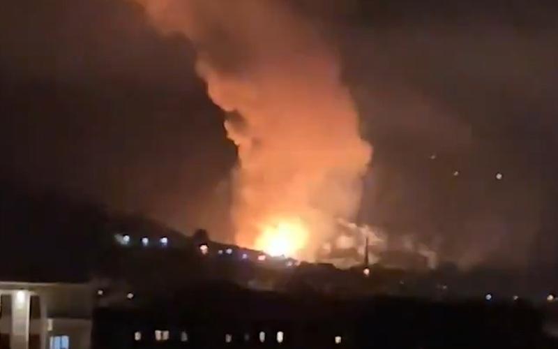 Serbia: Nổ nhà máy đạn pháo khiến cả thành phố Cacak rung chuyển