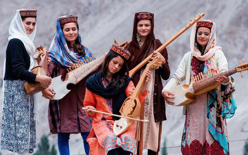 Ấn Độ: Bộ tộc Hunzas với bí quyết sống thọ và nhiều phụ nữ xinh đẹp nhất thế giới