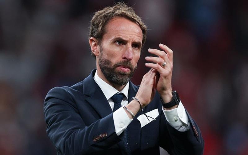 Bị chỉ trích sau chung kết EURO 2020, HLV Southgate quyết không rời ghế