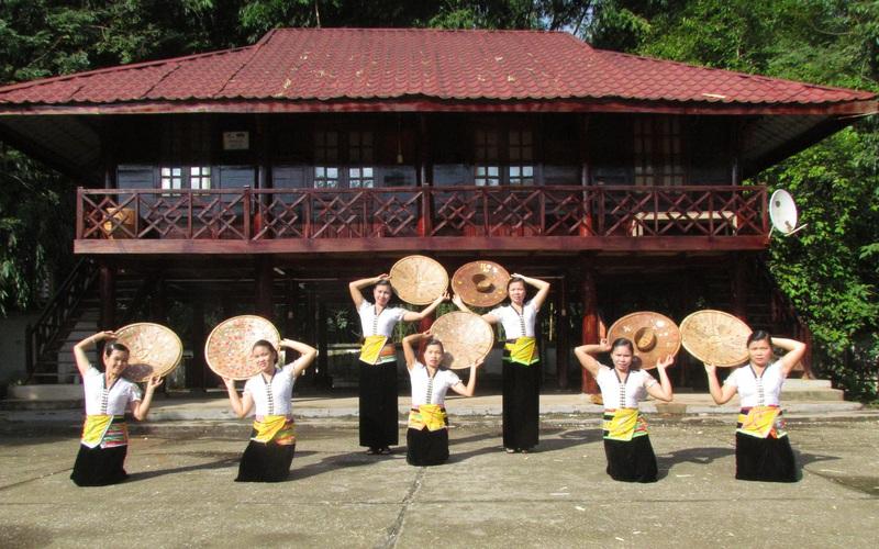Lai Châu: Bản văn hóa du lịch Vàng Pheo hấp dẫn du khách