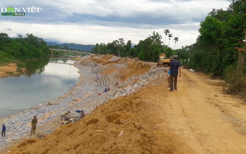 Niềm vui của người dân vùng lũ khi có kè chống sạt lở bờ sông Ngàn Sâu