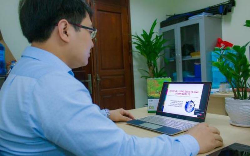 Học viện Nông nghiệp Việt Nam: Tạm dừng đến trường, không dừng việc học