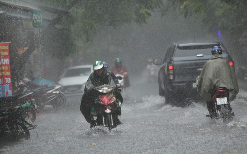 Clip: Cảnh báo mưa giông vẫn còn tiếp diễn tại vùng núi Bắc Bộ