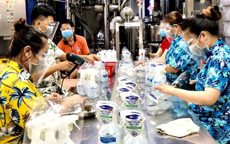"""Bình Dương: Doanh nghiệp muốn duy trì sản xuất """"3 tại chỗ"""" trong an toàn"""