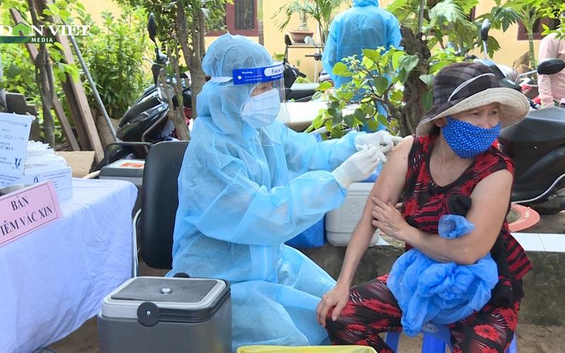 TP. Thủ Đức: Triển khai đội tiêm vaccine Covid-19 lưu động đến từng khu cách ly, khu phong tỏa