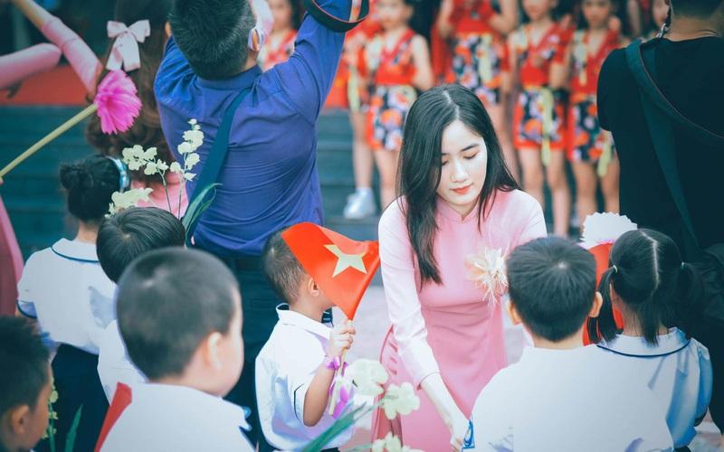 Hà Nội: Học sinh lớp 1 lùi học trực tuyến 1 tuần