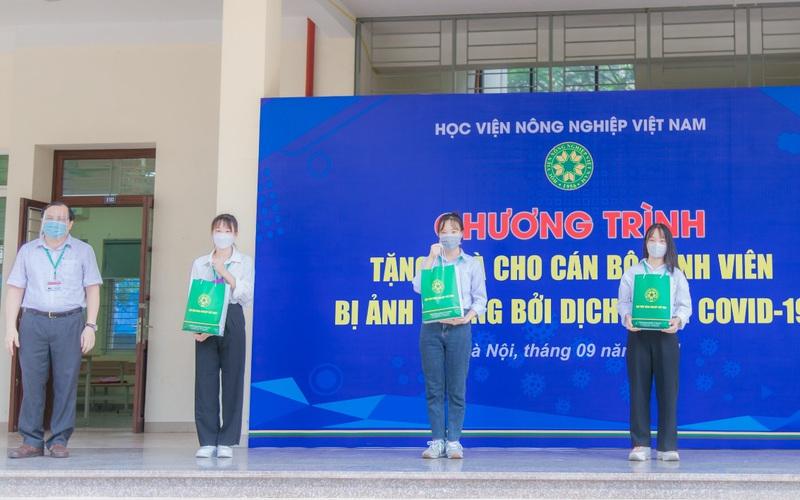 Học viện Nông nghiệp Việt Nam đồng hành cùng sinh viên vượt qua dịch bệnh Covid-19