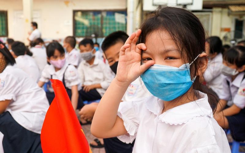 Hà Nội: Giảm 50% học phí cả năm cho học sinh phổ thông công lập và ngoài công lập