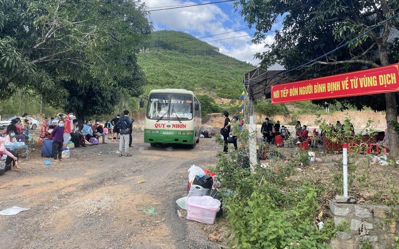 Bình Định: Tặng 25.000 khẩu trang y tế cho cán bộ, chiến sĩ công an làm nhiệm vụ chống dịch Covid-19
