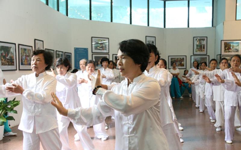 Nâng tuổi thọ người Việt Nam lên 75 vào năm 2020