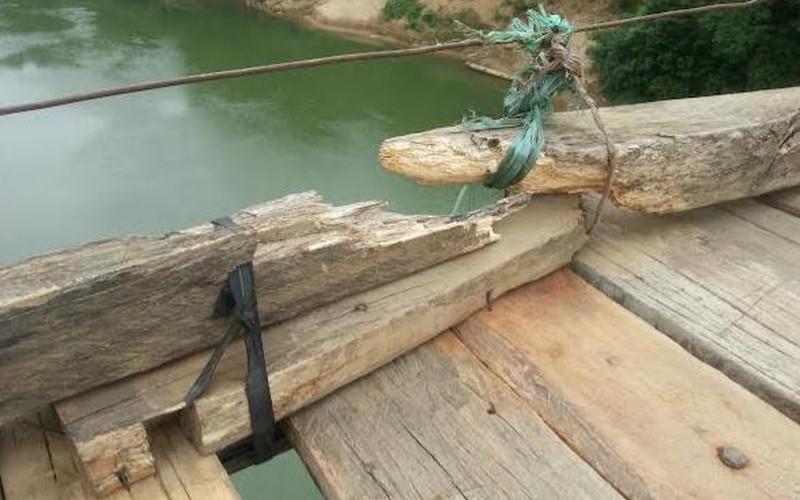 Lãnh đạo tỉnh yêu cầu kiểm tra cầu treo néo bằng dây chun