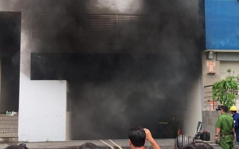 Ngọn lửa bùng phát trở lại tại chung cư Carina
