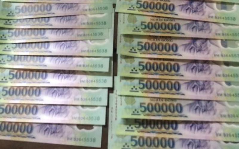 Phá ổ ma túy, lộ cả đường dây sản xuất tiền giả ở Sài Gòn