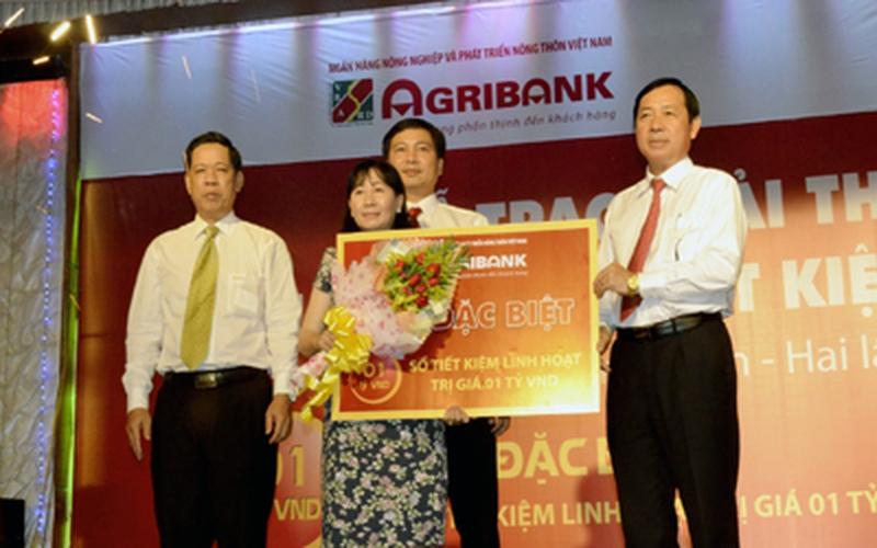 Agribank trao thưởng 1 tỷ đồng cho khách hàng