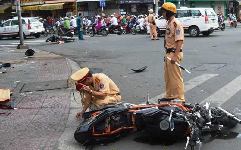 Tai nạn giữa hai xe mô tô, một người nước ngoài tử vong