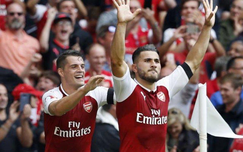 """Clip: Thắng """"đấu súng"""", Arsenal giành Siêu cúp Anh"""