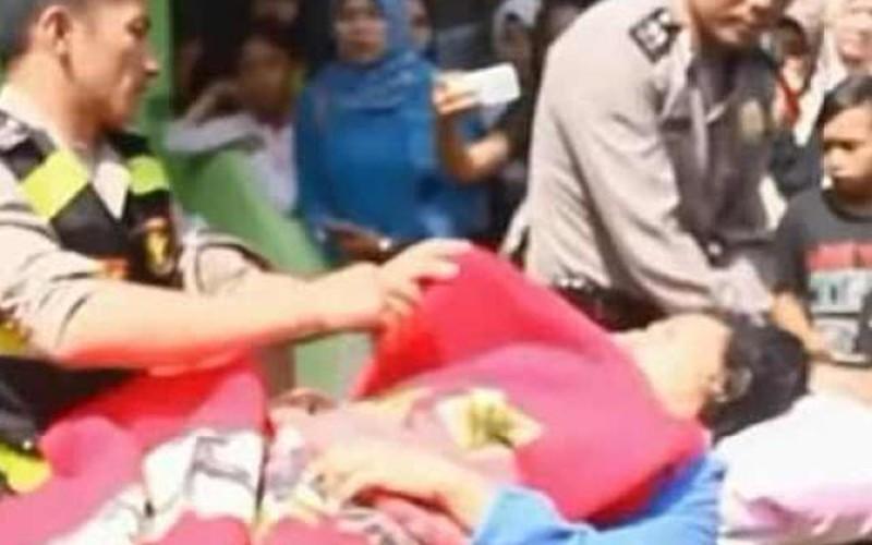 """Indonesia: Bị cuốn ra biển, 18 tháng sau được """"trả lại"""" nguyên vẹn"""