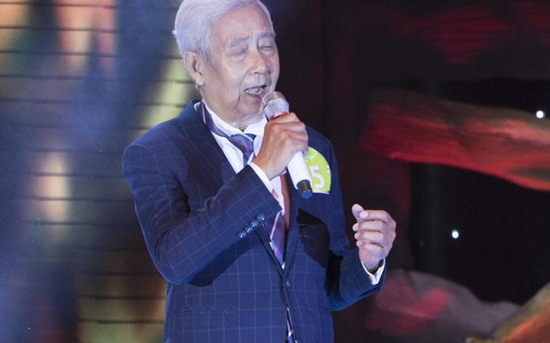Tuấn Ngọc phấn khích trước giọng hát của cụ ông 78 tuổi