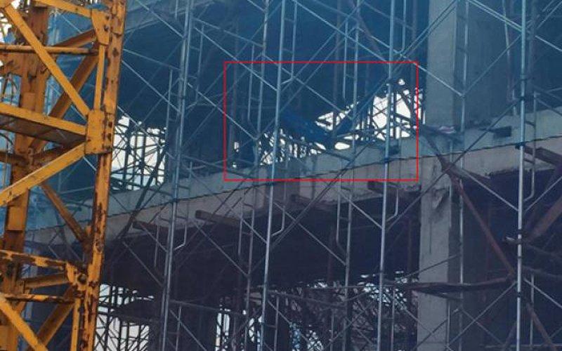 Hà Nội: Sập giàn giáo, 2 người chết, 4 người bị thương