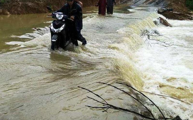 Thanh Hóa: Nước lũ trên sông Bưởi và sông Mã đang dâng rất nhanh