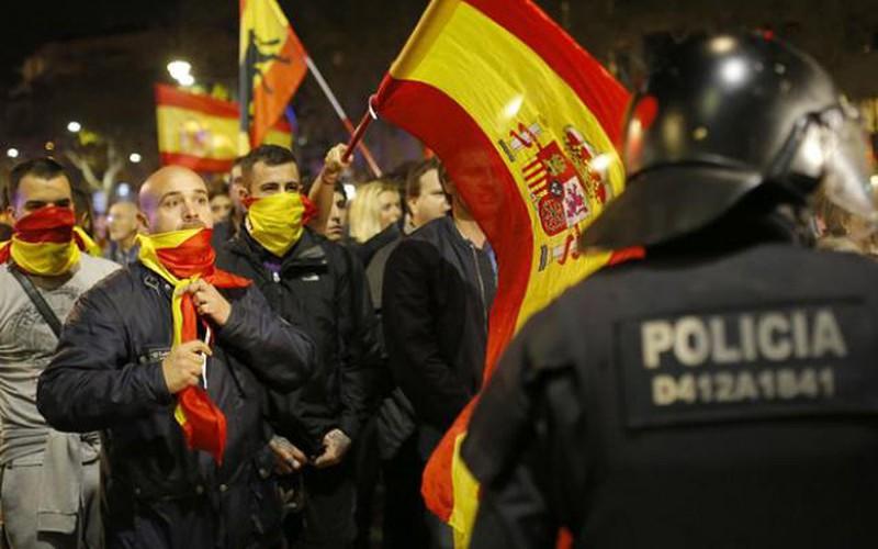 Catalonia tuyên bố độc lập: 30 năm tù chờ đợi người khởi xướng?