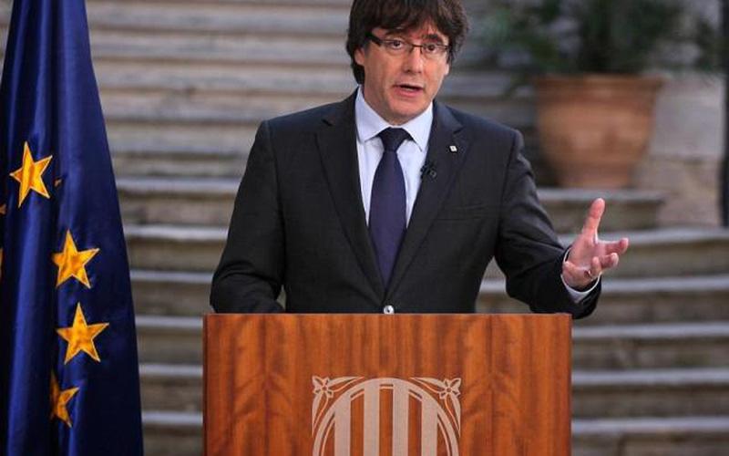 Lãnh đạo Catalonia bất ngờ bỏ trốn, sang Bỉ xin tị nạn