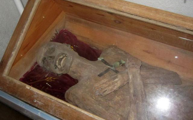Áo: Thi thể chôn bình thường gần 300 năm còn nguyên vẹn như xác ướp