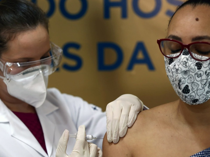 Nga sẽ bán vaccine Covid-19 bằng nửa giá của Mỹ