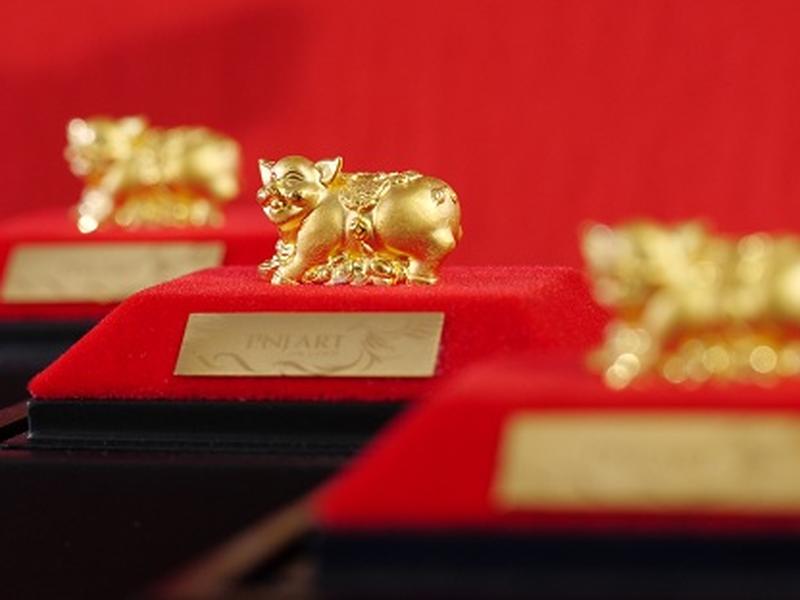 Giá vàng hôm nay 23/4: Vàng SJC giao dịch sát 56 triệu đồng/lượng