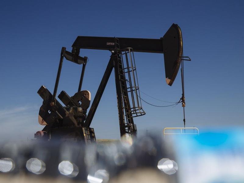 Kinh tế Trung Quốc vừa có dấu hiệu giảm tốc, giá dầu lập tức chịu sức ép